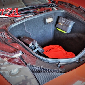 Ferrari 458 Italia carbonio vano bagagli paratie