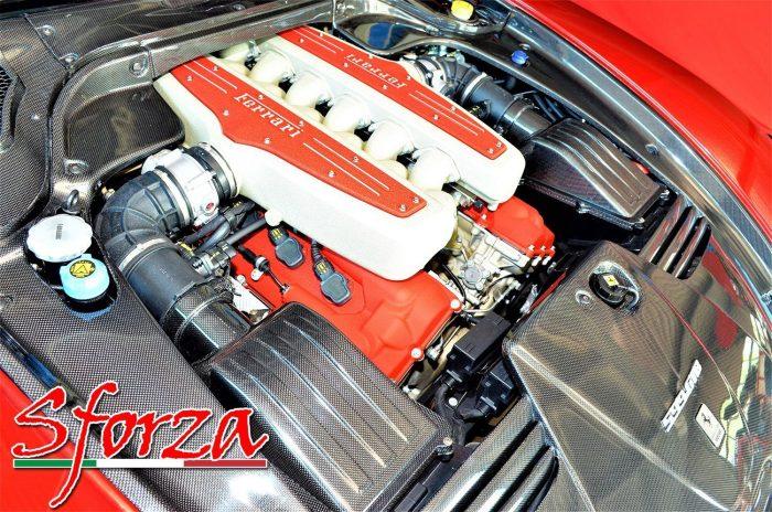 Ferrari 599 rossa motore tutto carbonio