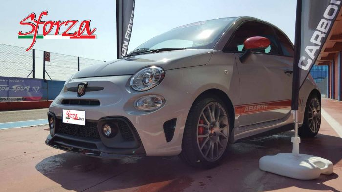 Only Abarth and Show Sforza 595 pit lane