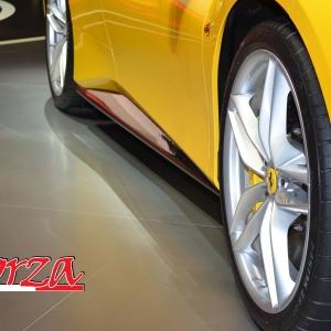 Ferrari 488 Minigonne sottoporta carbonio