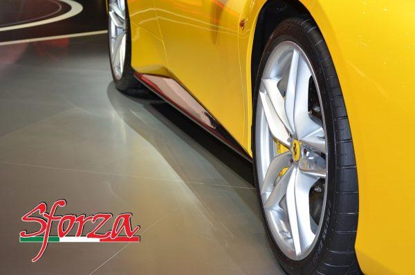 Ferrari 488 Seitenschweller Carbon