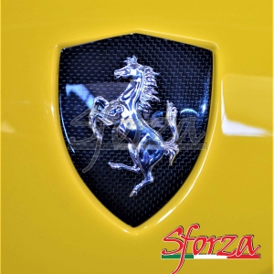 Ferrari 488 Scudetto parafango carbonio giallo modena