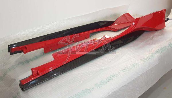 Ferrari 488 Pista brancardi laterali carbonio rosso corsa